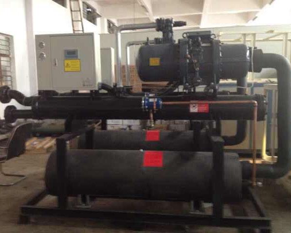 100HP螺杆式冷水机1